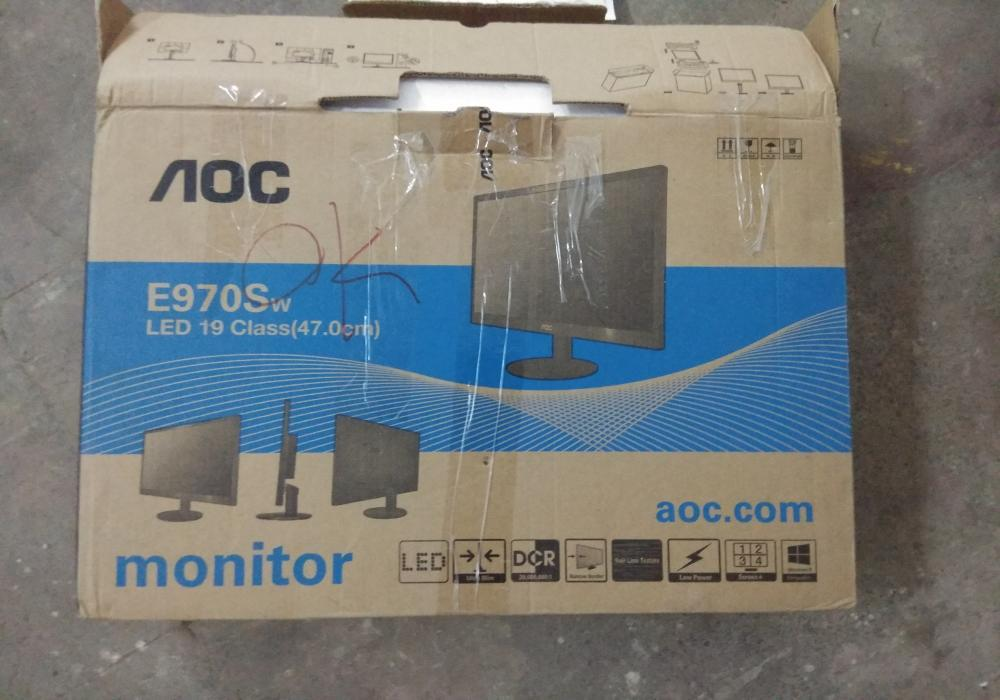 10 functional led monitor   6 dell   2 samsung   2 aoc   like new condition   13th oct17