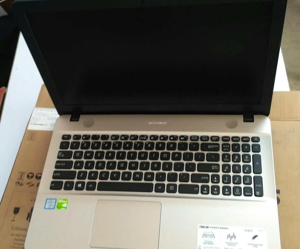3 functional lenovo   hp laptops