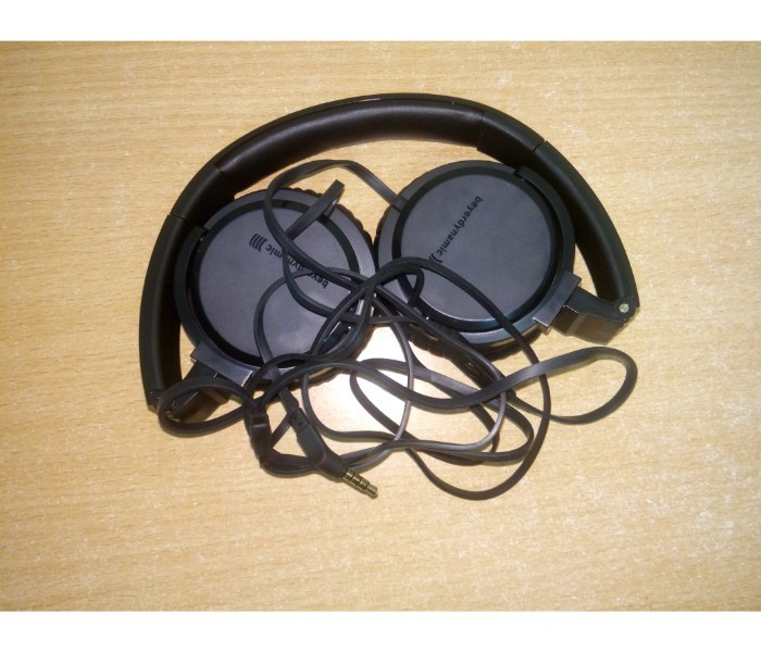 16 fully functional branded earphone or headphone   beyerdynamic   beats  jbl etc  9th jan %282%29