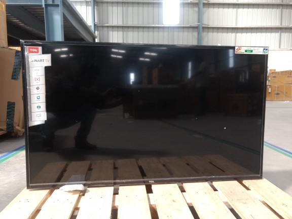 4 fully functional   tcl 123 cm %2849 inches%29 l49p10fs full hd led smart tv  like new  22nd jan