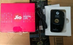 90   jiofi m2s 150mbps wireless 4g portable data and voice device  customer return warranty claimable  15th march